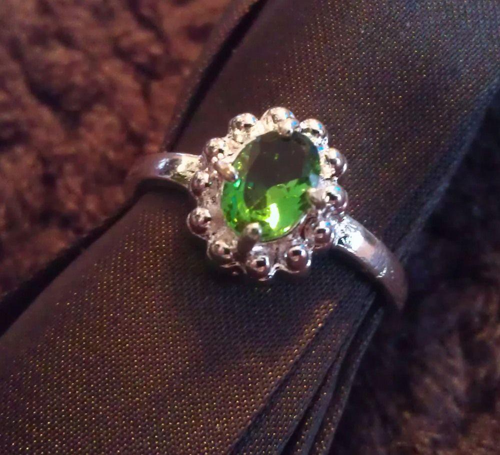 К чему снится получить в подарок кольцо с камнем 48